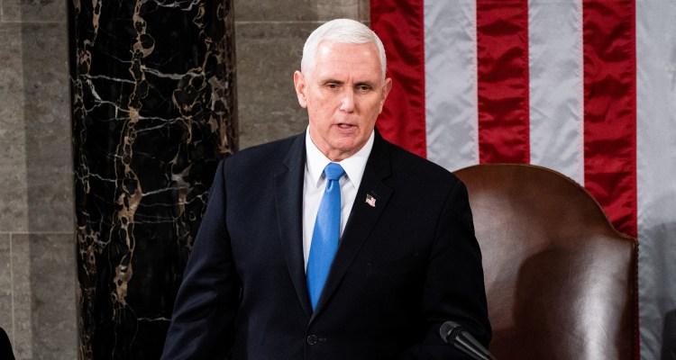 «Ustedes no ganaron» dice Pence a turba de Trump