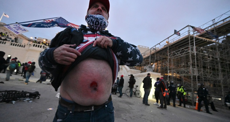 4 personas murieron tras protestas violentas en Capitolio
