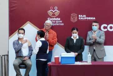 Empieza vacunación contra COVID-19 en Baja California
