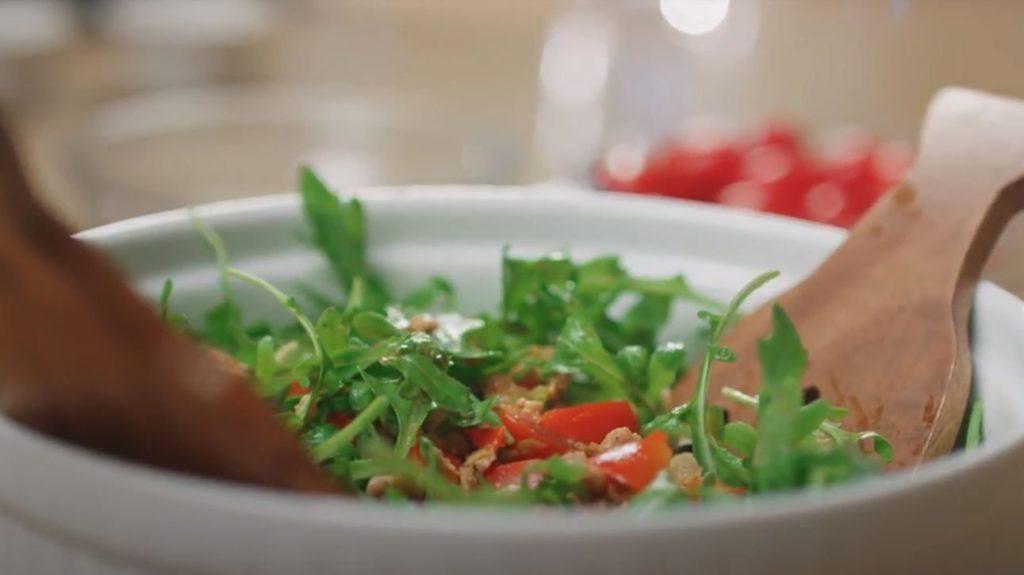 Tazón de ensalada de chorizo