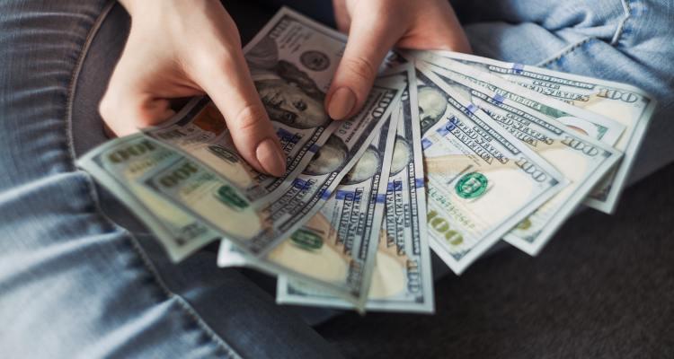 Padres que no declararon impuestos también podrán recibir el crédito por hijos en julio