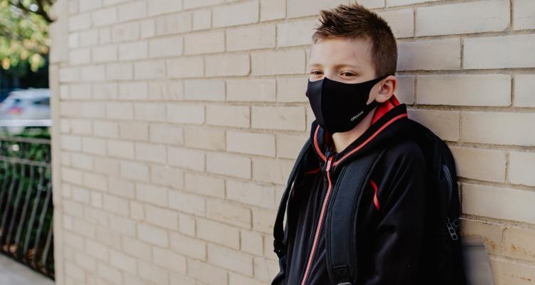 Padres se pronuncian ante uso de mascarillas en las escuelas