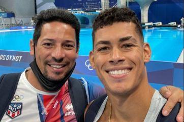 Rafa Quintero y entrenador Mark Ruiz