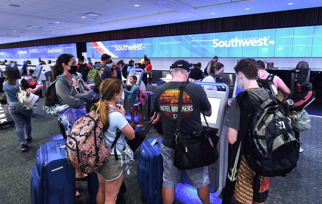Pasajeros de Southwest Ailines en el aeropuerto de Orlando