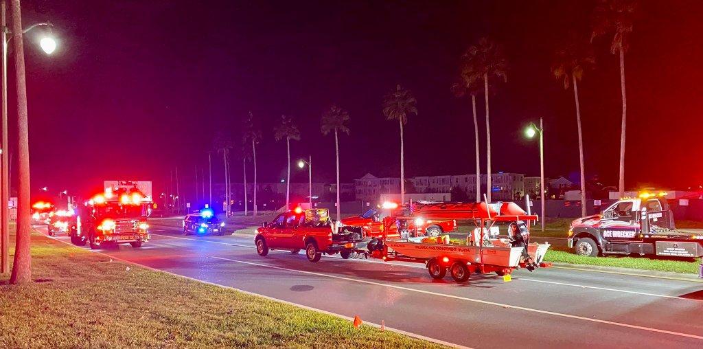 Foto por la cuenta de Twitter del departamento de bomberos de Orlando.